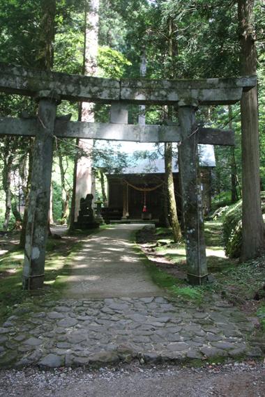 25 御嶽神社.jpg
