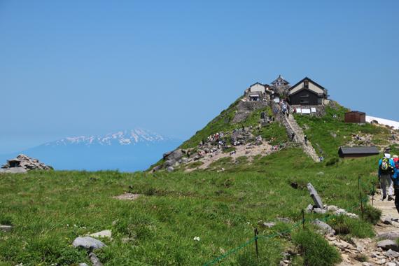 28 山頂神社.jpg