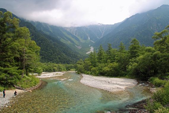 7梓川と穂高連峰.jpg