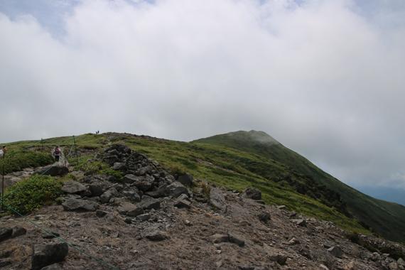 19 登山道.jpg