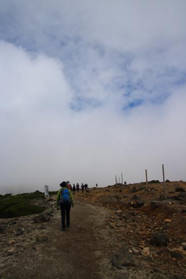 3 登山道.jpg